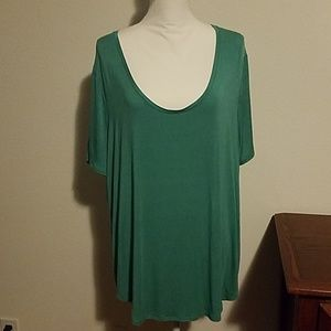 Old navy green u neck tshirt